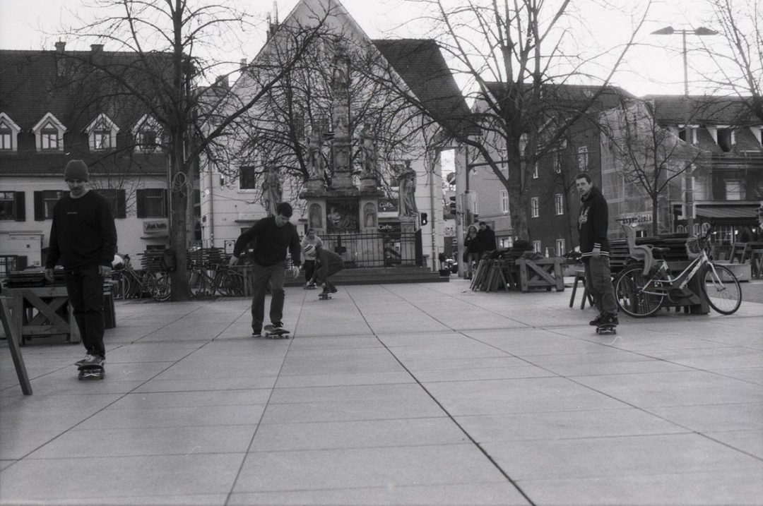 #007 - Film per day - Skaters at Lendplatz, Graz