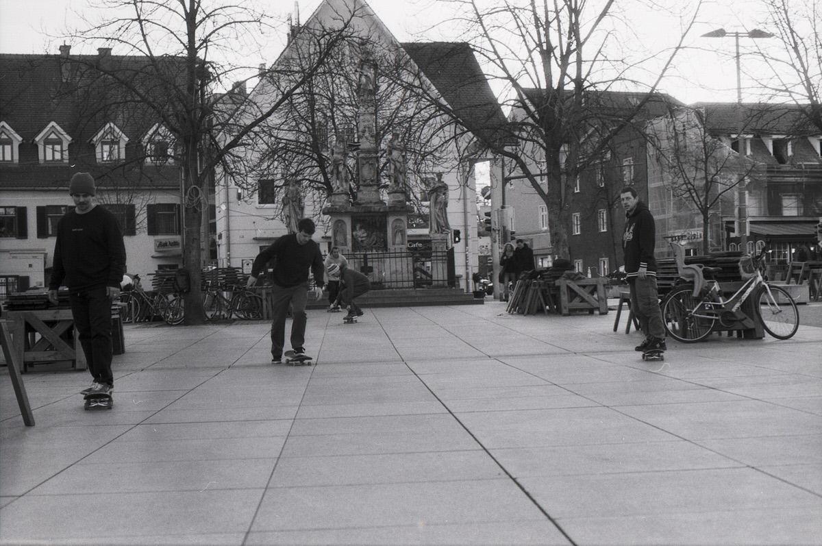 #007 - Film per day - Skaters at Lendplatz, Graz