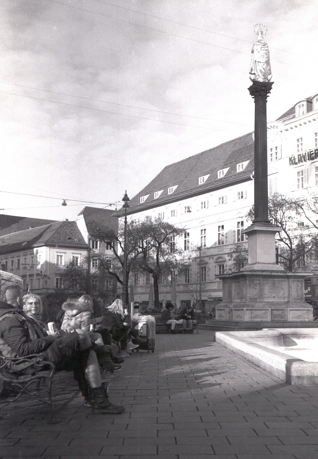 #016 Film per day – Beer by the fountain, Graz
