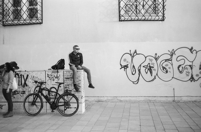 #070 Sitting around in town, Graz