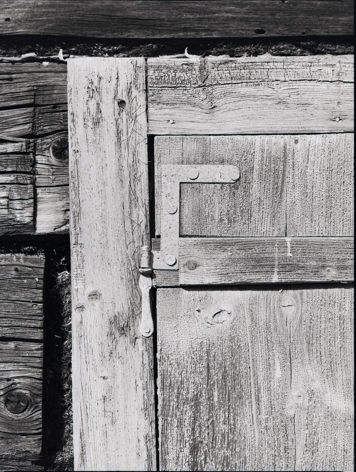 #077 Farmhouse Window Details #1 - Untertal