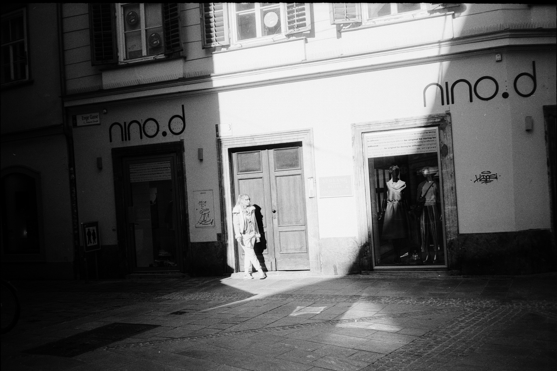 #114 Girl in the light, Graz