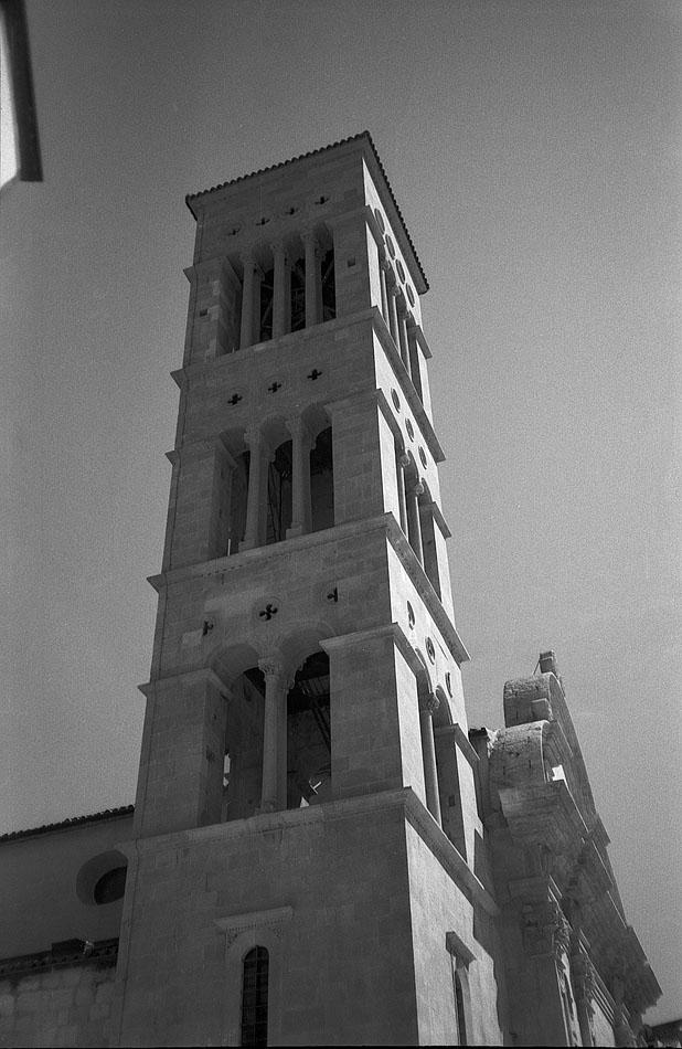 Church-tower-main-square-Hvar