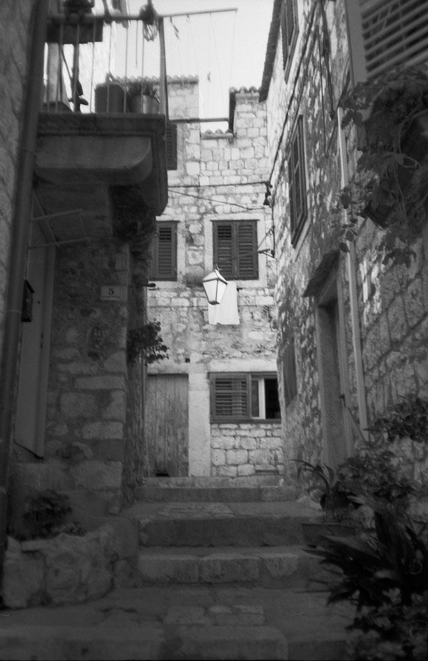 Hvar-Alley-copy