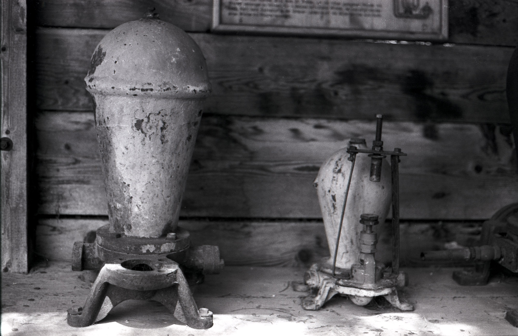 Old water pumps - Canon EOS 600 Kodak Tri-X 400TX #31