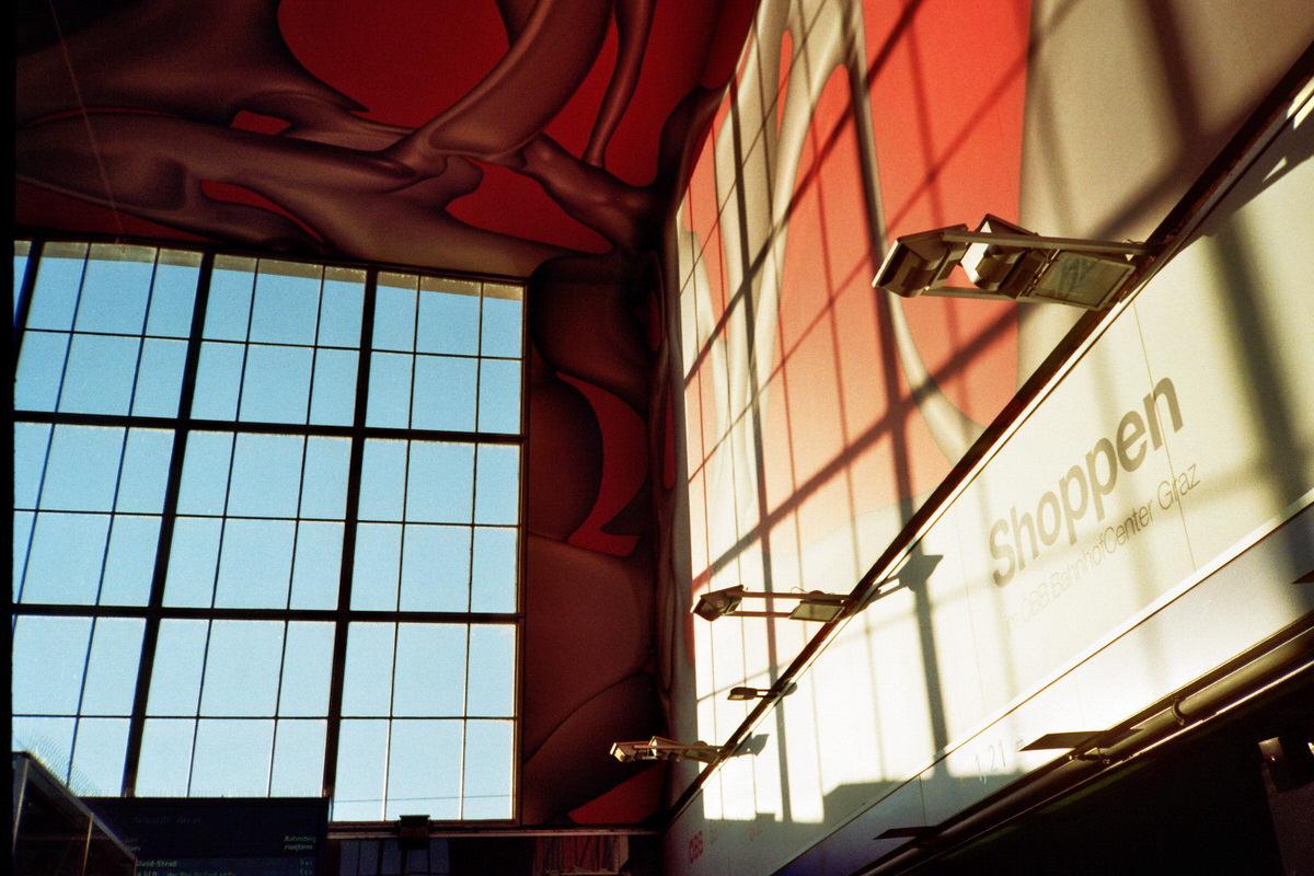 Graz Bahnhoif - Kodak Color Plus - Olympus XA